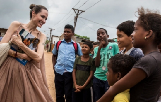 Анджелина в Колумбия