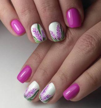 Дизайн за къси нокти с пролетни мотиви