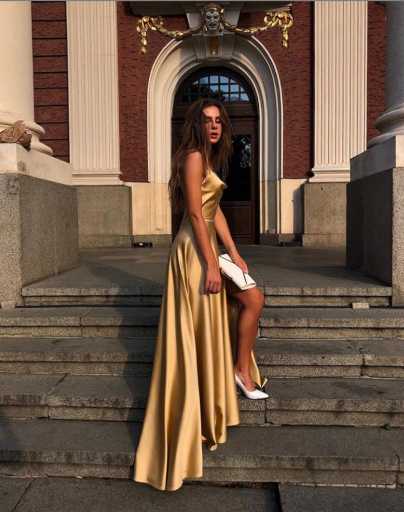 Дарина Радева златна рокля