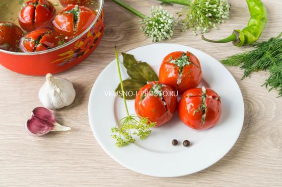 пълнени домати мариновани