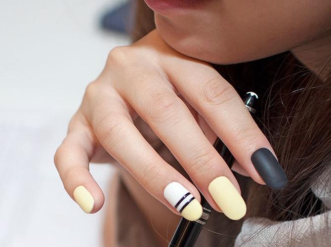 Нежен геометричен дизайн за ноктите