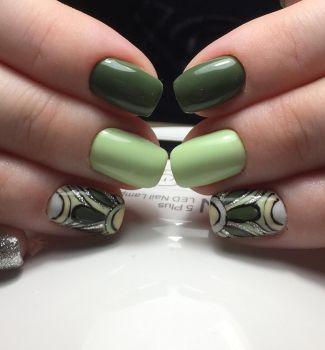 Стилен пролетен маникюр в зелено