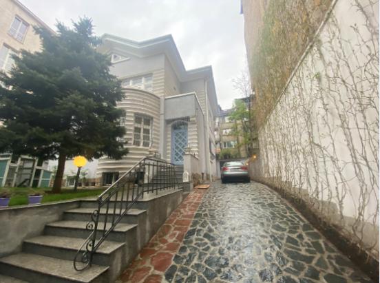 къща Любен Каравелов