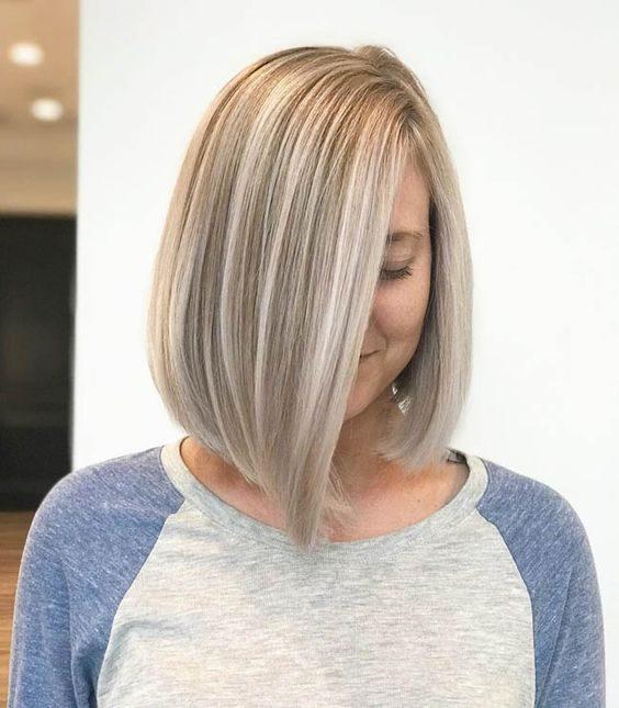 боб каре сива коса