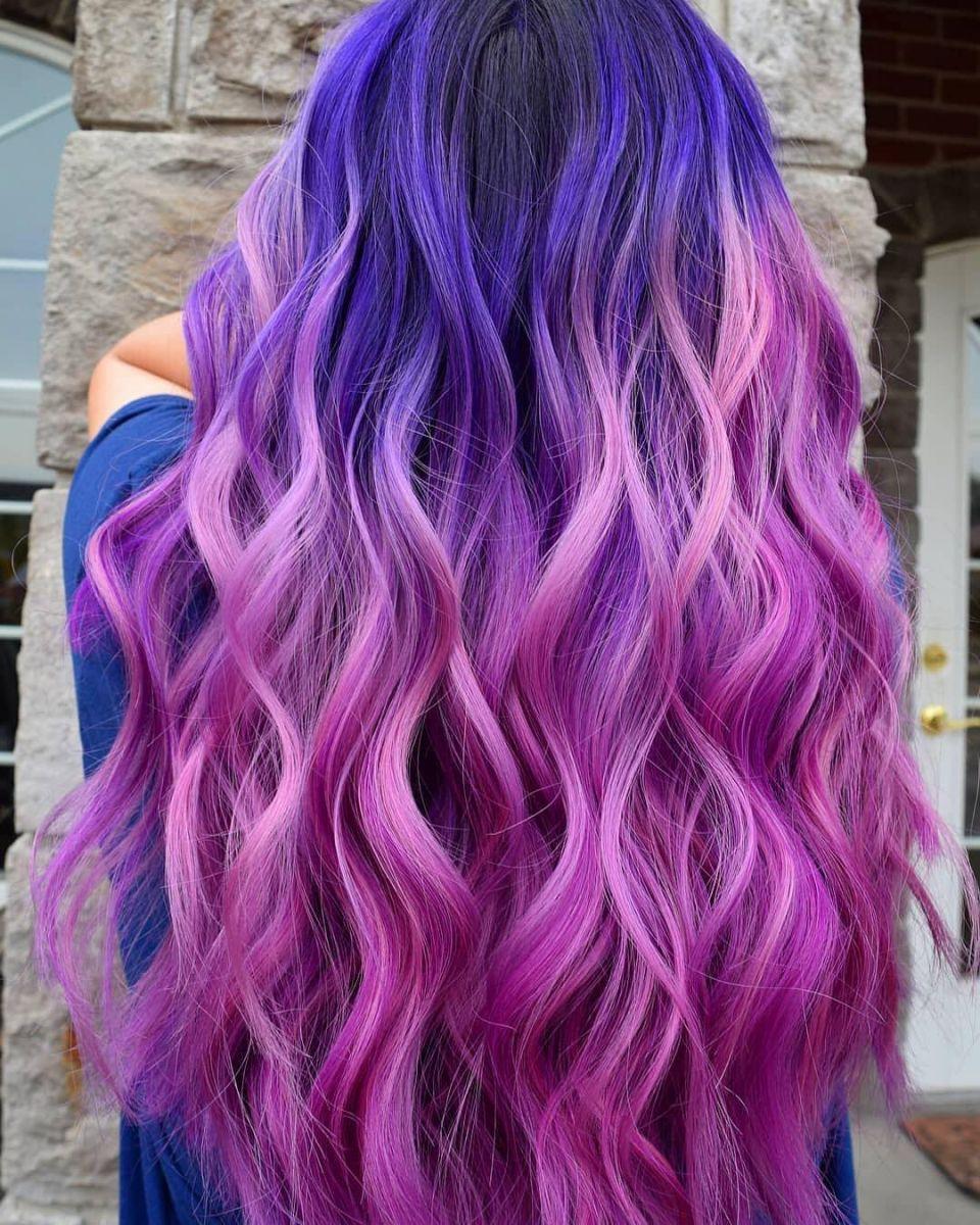 синя коса с виолетови кичури