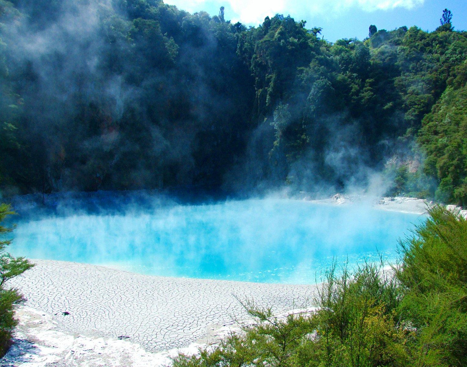 минерален басейн