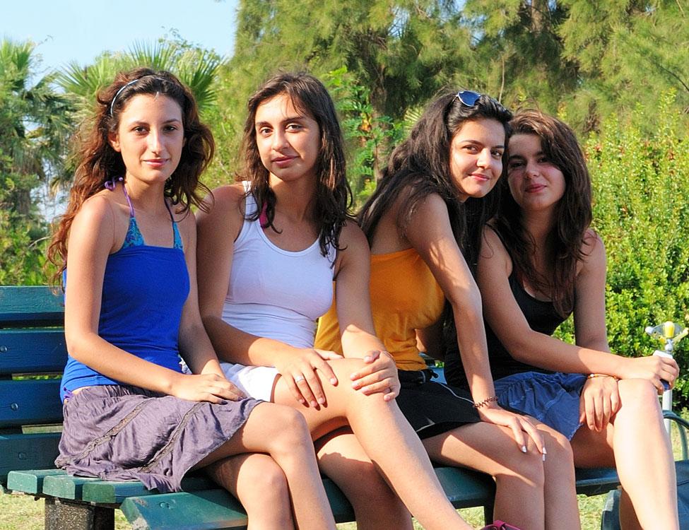 турски момичета