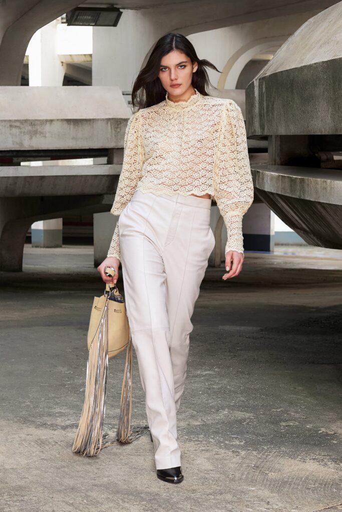модерна дантелена блуза