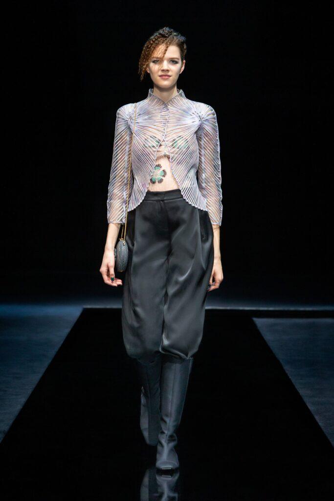 модерна прозрачна блуза