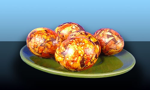 мраморни яйца с лук