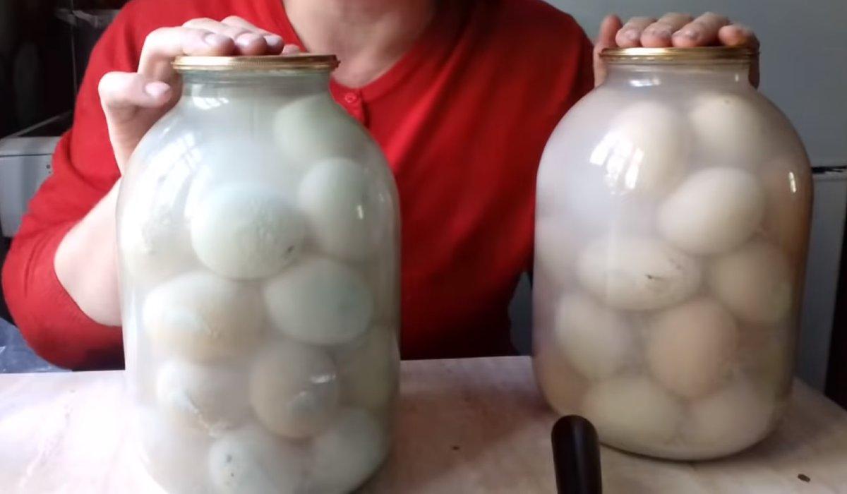 яйца в буркан