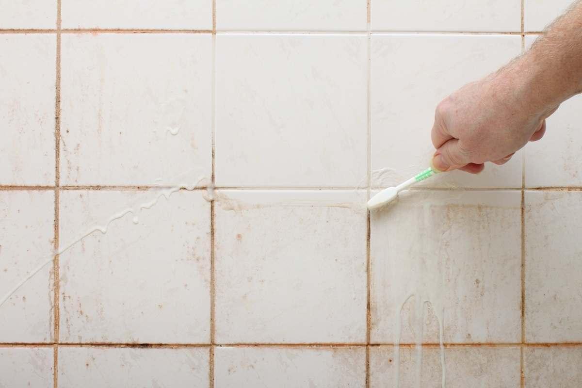 почистване на фуги
