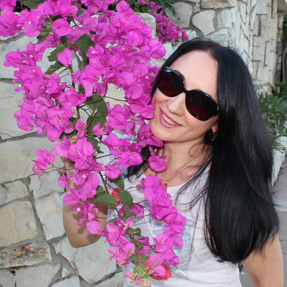 д-р Стела Костова