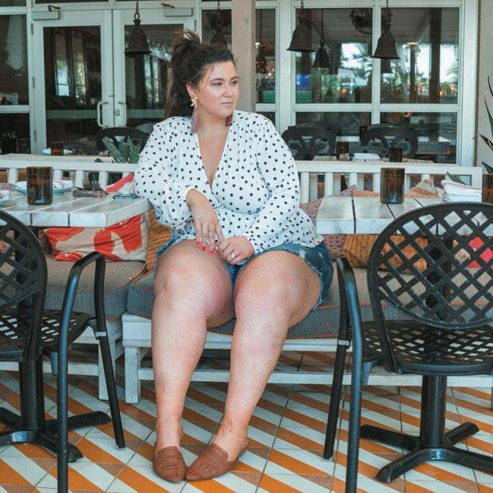 дебеланка с шорти