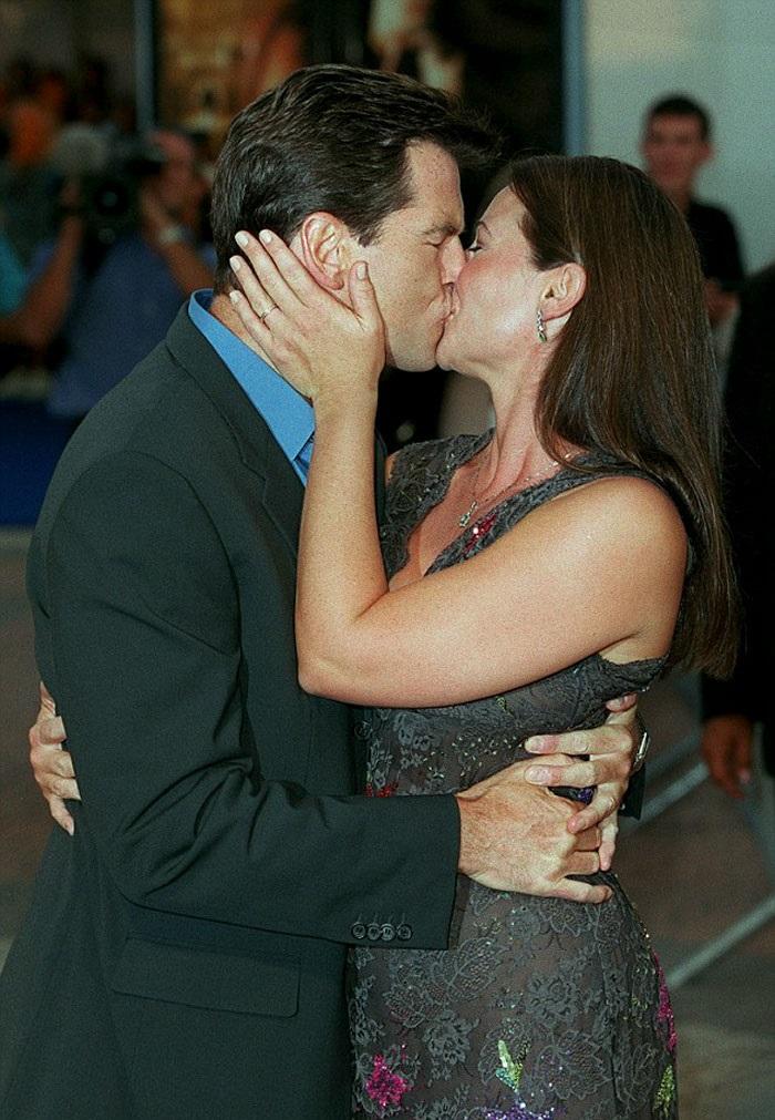 Пиърс Броснан и жена му
