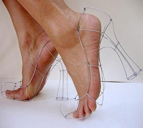 убийствени обувки