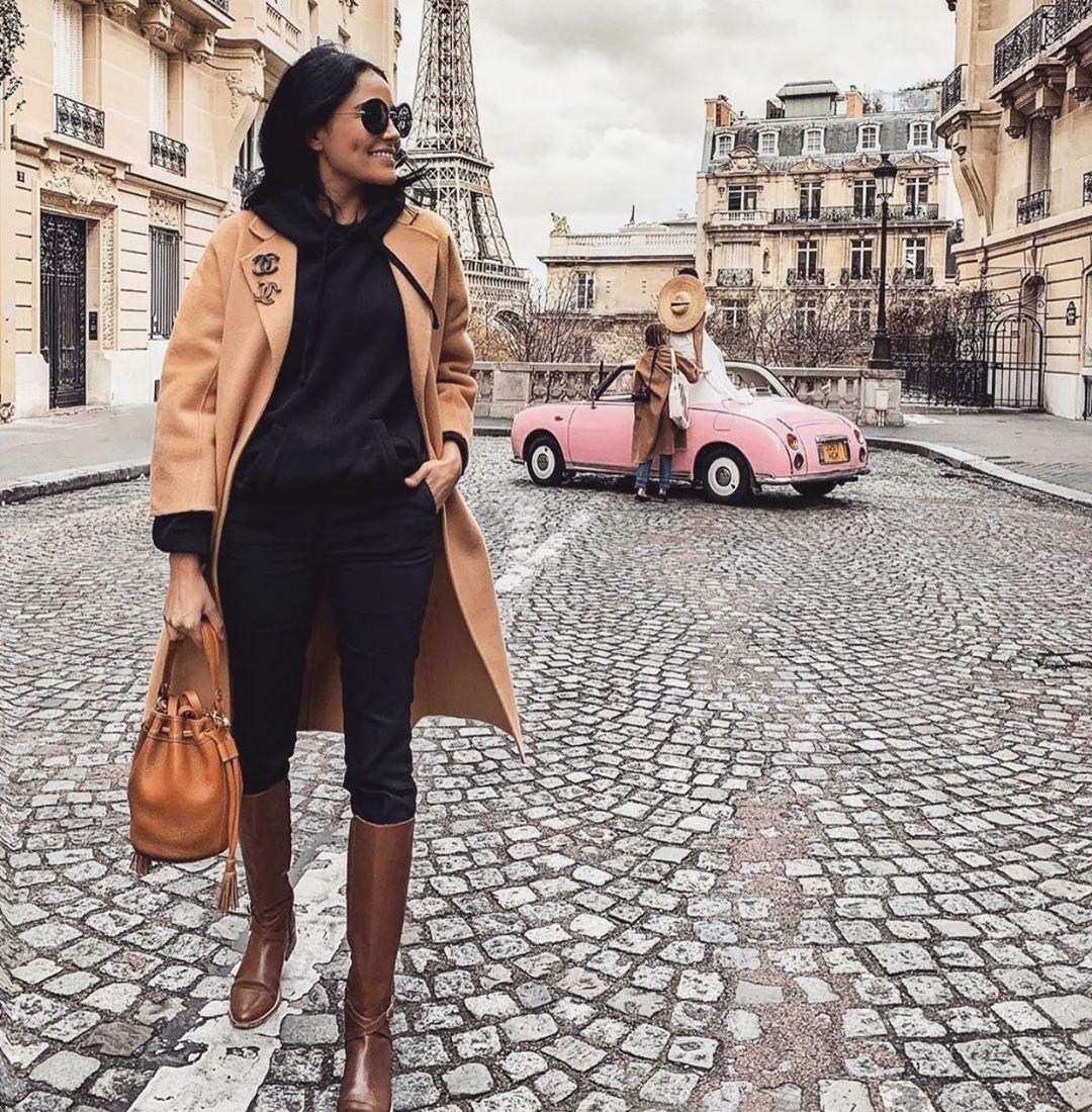 съчетание палто и ботуши