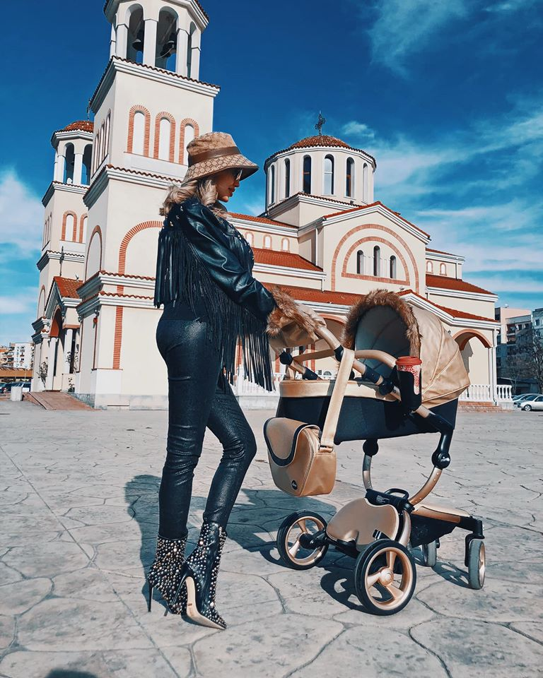Джулиана Гани разходка