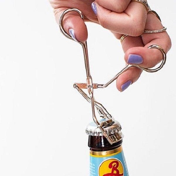 отваряне на бутилка