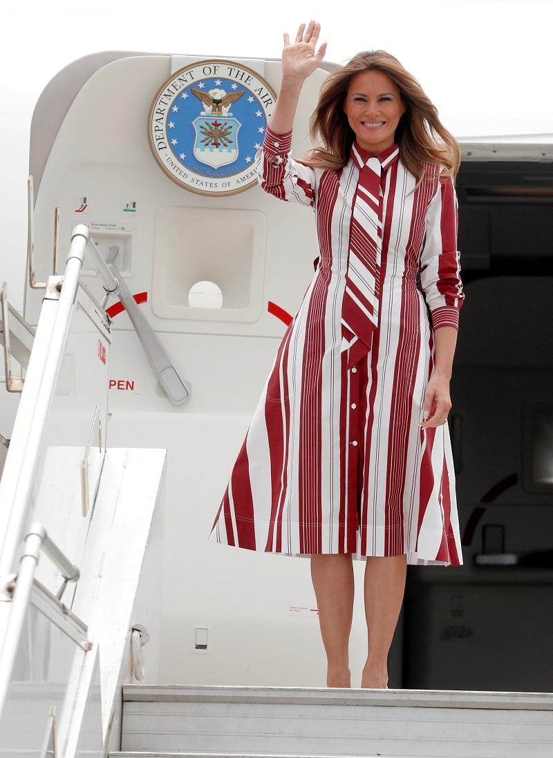 Мелания Тръмп шарена рокля