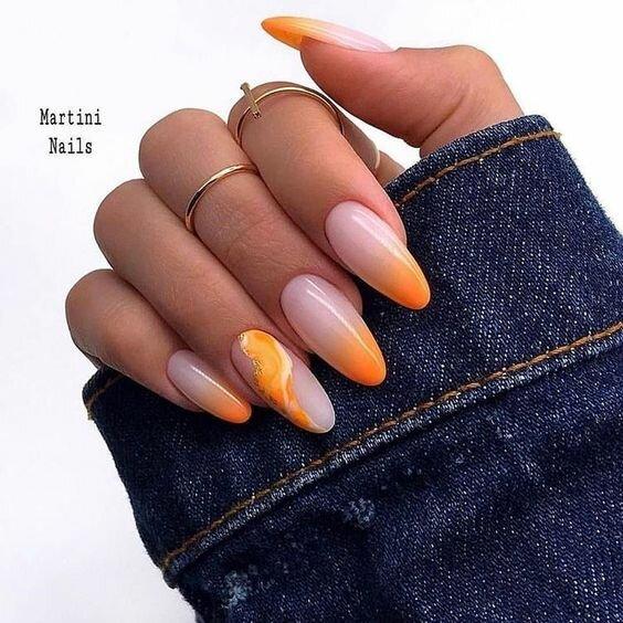 гол маникюр с оранжево