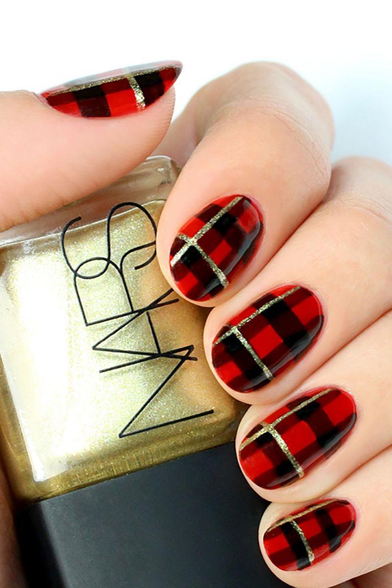 Червено и черно каре на ноктите