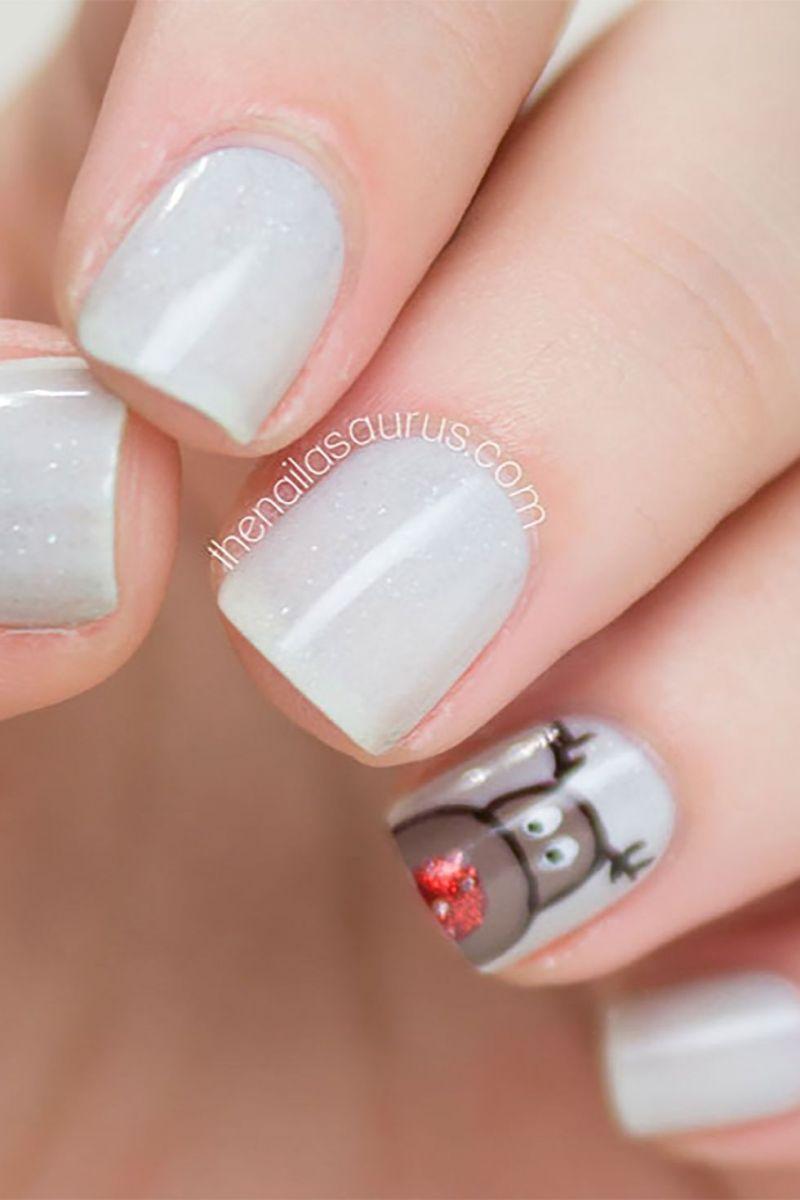 Дизайн с елен на ноктите