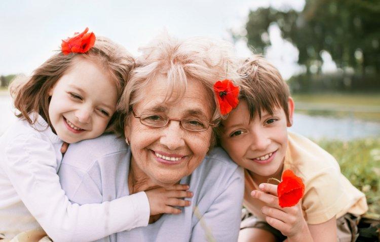 баба с внуци