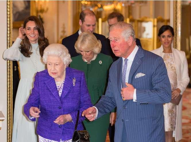 Кралицата Майка и Кейт