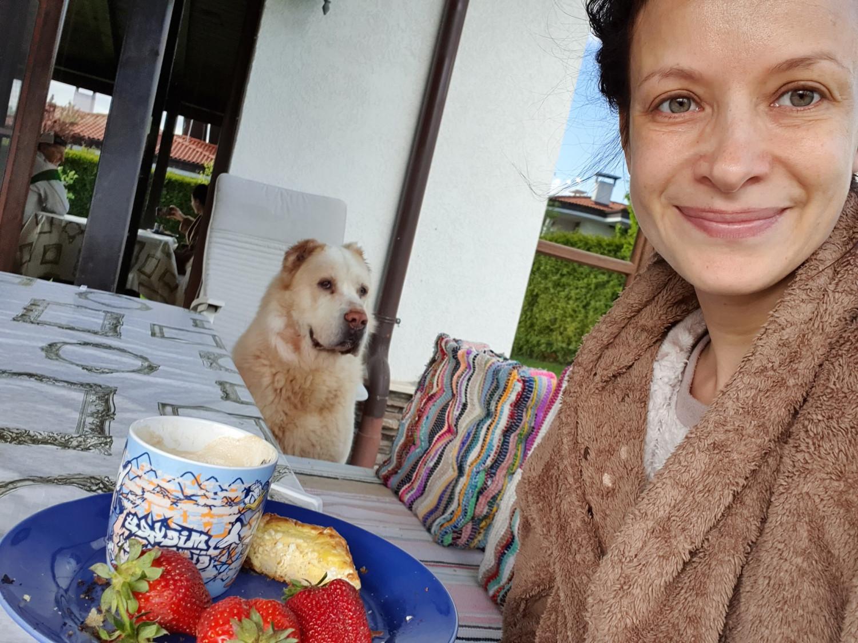 Яна Маринова без капка грим