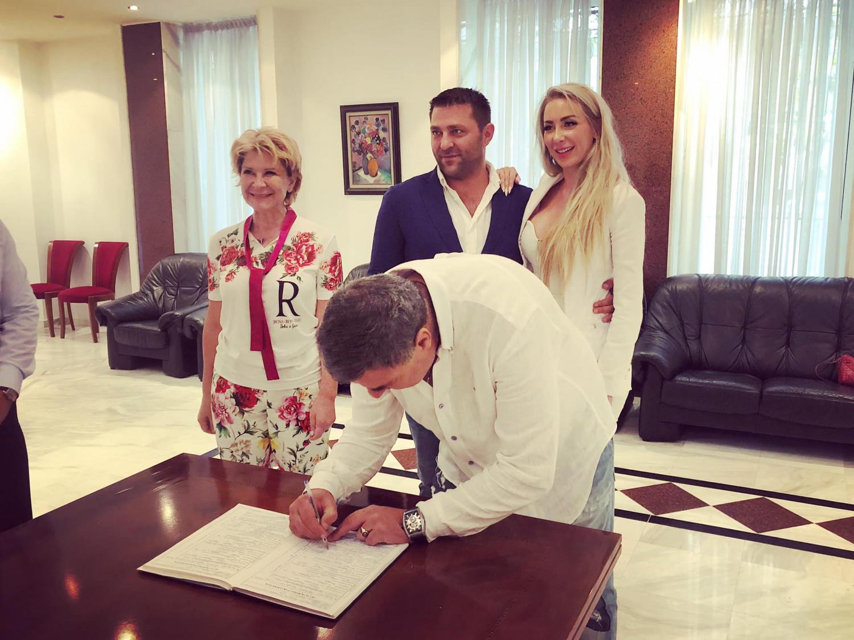 Антония Батинкова и Ивайло