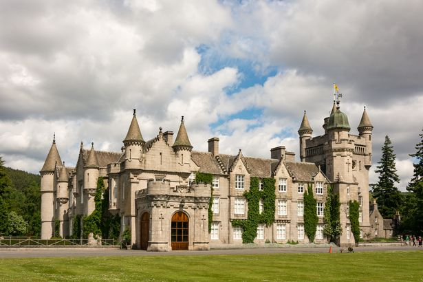 кралски замък