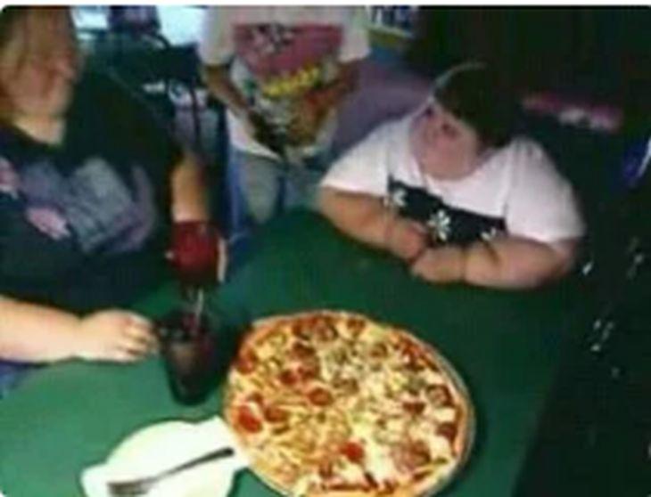 дете с пица