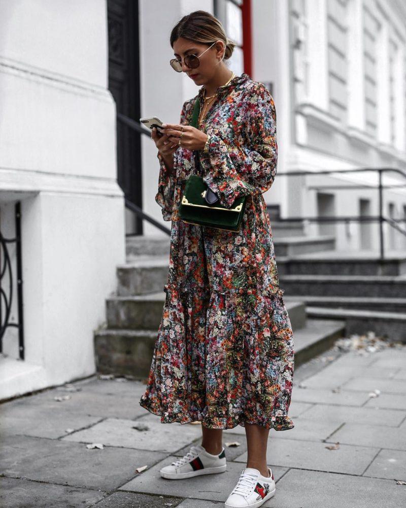 флорална рокля с дълъг ръкав
