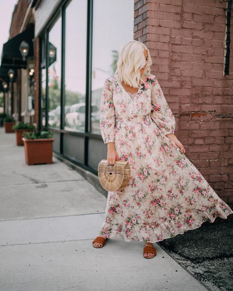 романтична дълга рокля