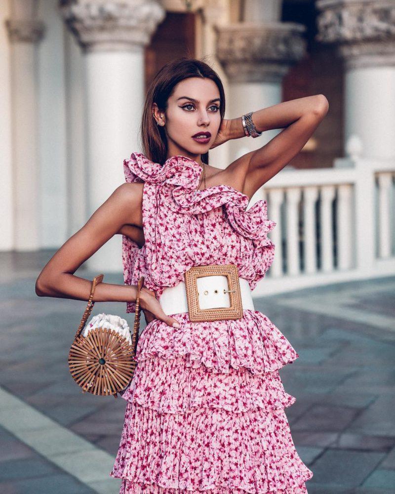 ефектна флорална рокля