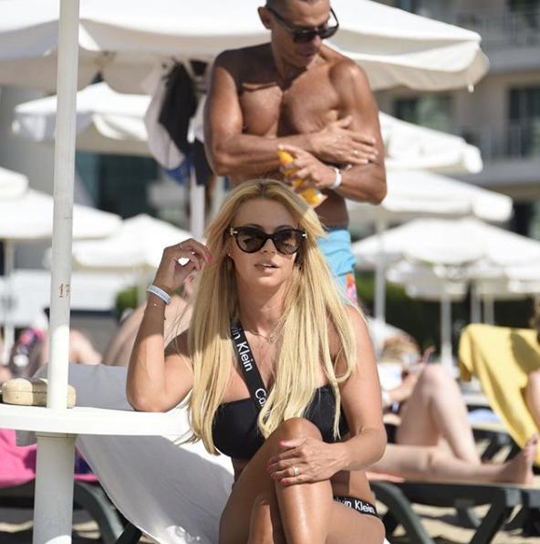 Мая Савова на плажа