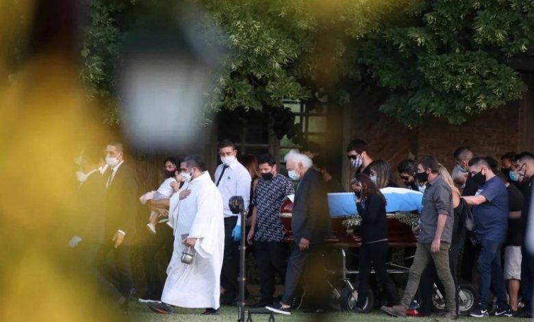 Марадона погребение6