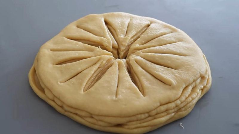 нарязано тесто