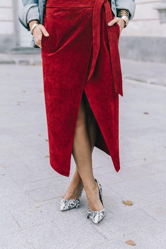 дълга червена пола с прихлупване