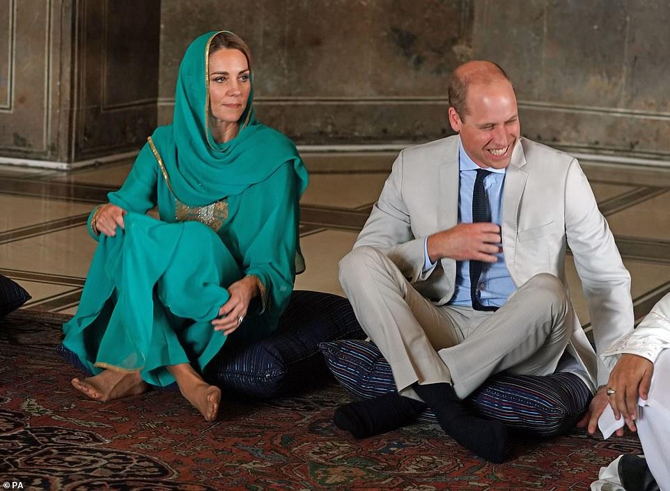 Кейт в джамия с Уилям