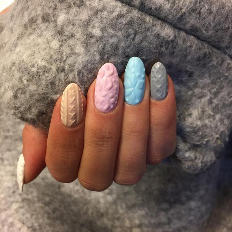 плетени нокти