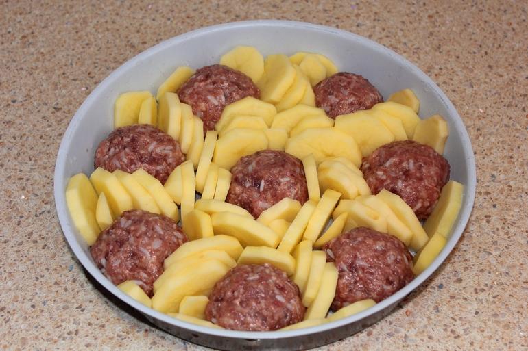 картофи с кюфтета на фурна