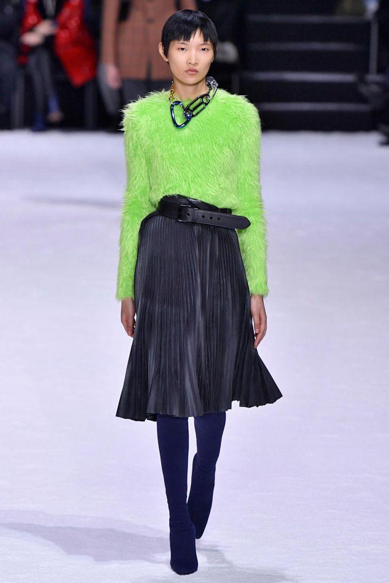 модна пола за есента на 2018 г. снимка
