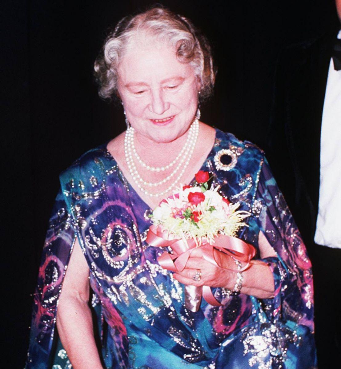 кралицата майка пръстен