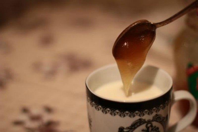 мляко с мед
