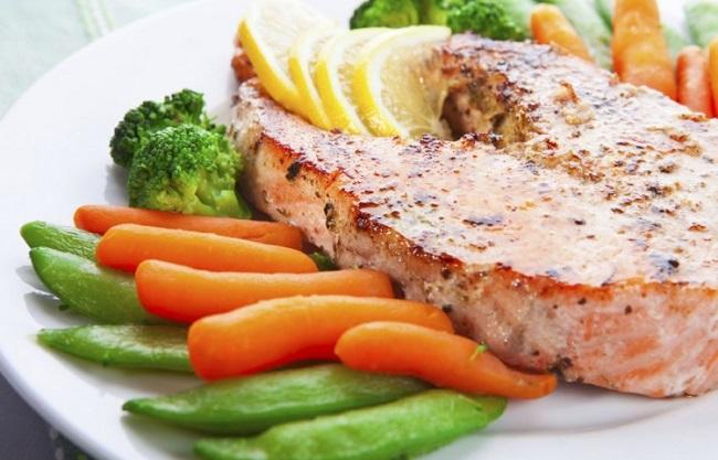 риба със зеленчуци снимка