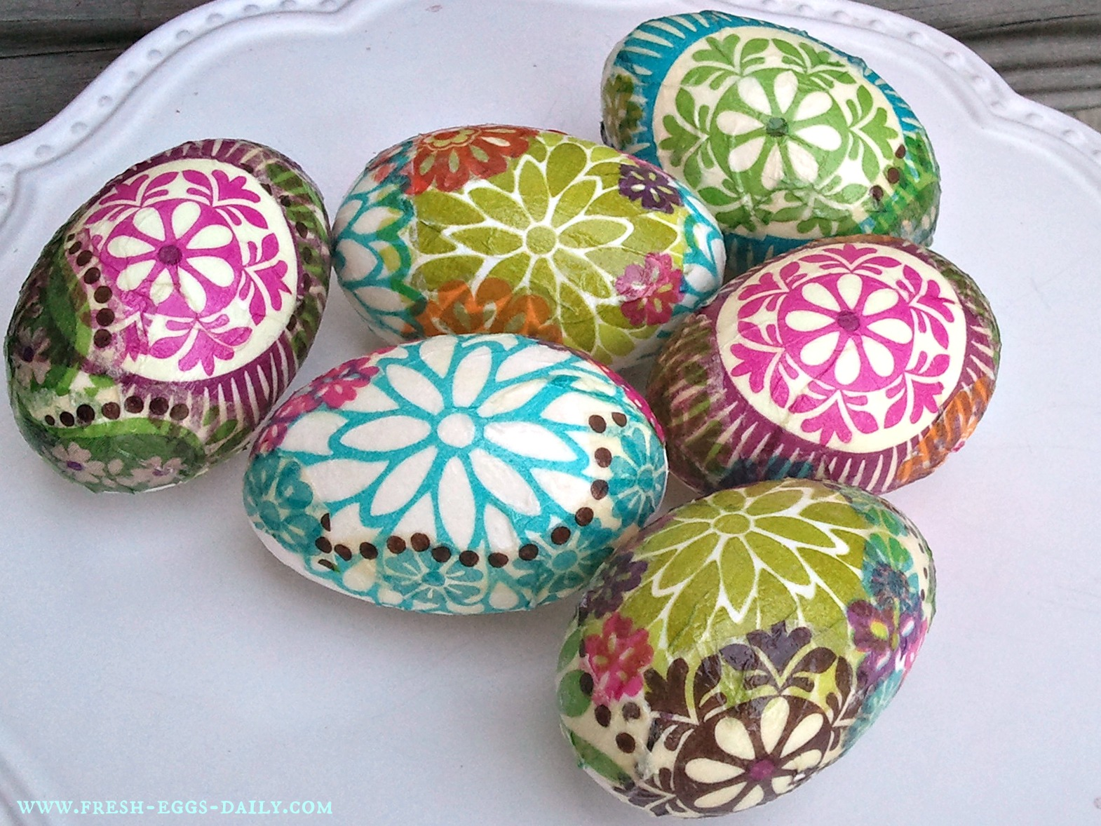 шарени яйца с декупаж