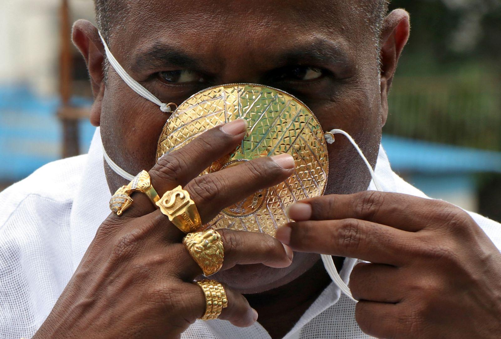 златна маска коронавирус