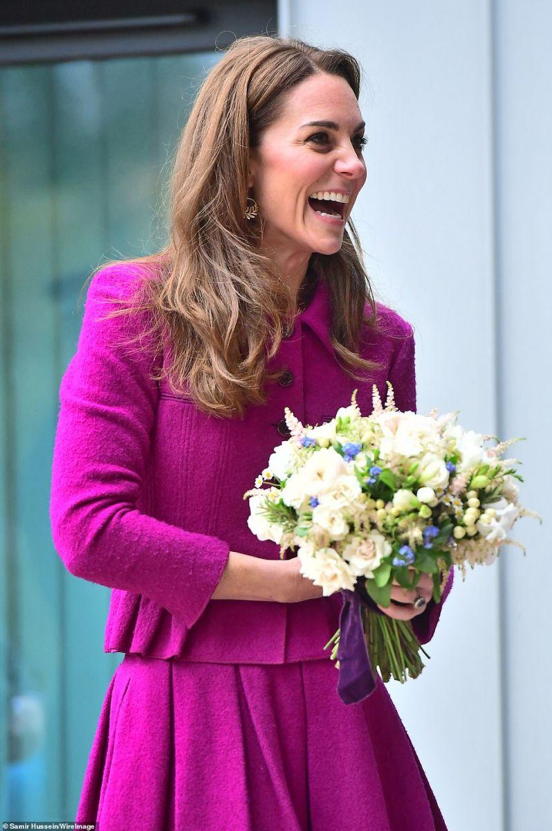 Кейт бели рози